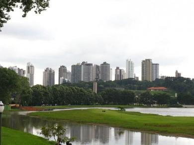 800px-Curitiba_From_Barigui_Park1.jpg