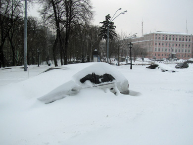На площади у Михайловского собора