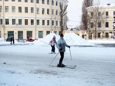 Лыжники на Контрактовой площади