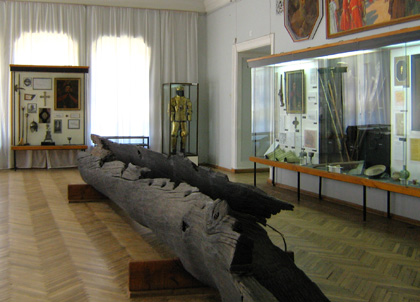 Заготовка для кіля козацької чайки XVI — XVIII ст. Фото