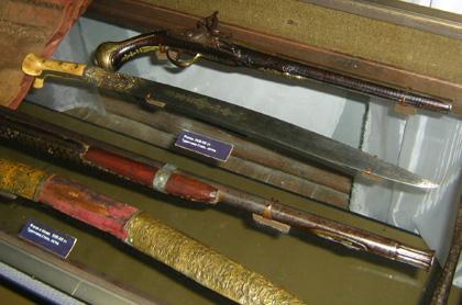 Старовинна зброя. Фото