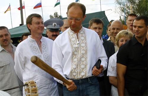 Арсений Яценюк на Сорочинской ярмарке