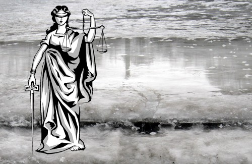 У випадку травмування на льоду слід позиватися до суду