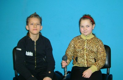 Маленькие звезды кружка — ведущие телепрограм Миша Зачипило и Катя Степанец