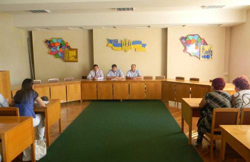 Постраждалим від полтавського еліта-центру допоможуть не по-київськи