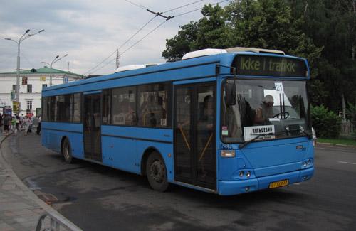 Життя без УМАКу забезпечують автобуси з резервних маршрутів