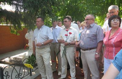 На могилі Скліфосовського помолилися за лікарів
