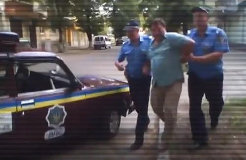 Как в центре Полтавы пьяный водитель откупался от ГАИ
