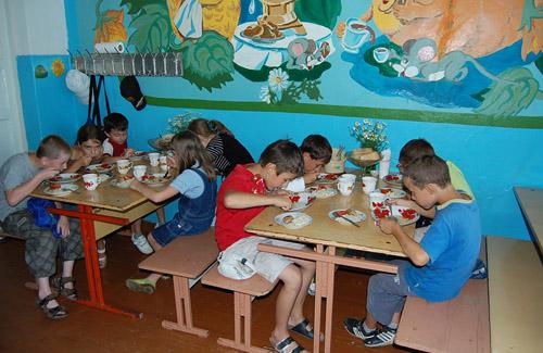 У пришкільних таборах Полтави годували на 16 гривень в день