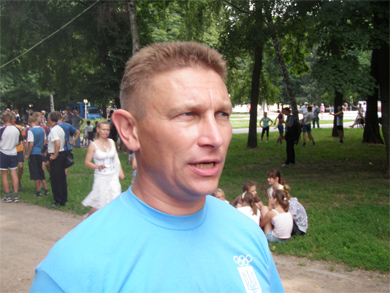 Валерий Пархоменко с удовольствием сам принял учасатие в забеге