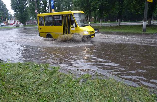 Злива, яка пройшла 1 липня стала справжнім випробуванням для керівництва міста та комунальних служб