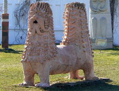 Cадово-паркова глиняна скульптура в Опішнянському музеї-заповіднику