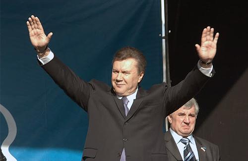 Полтавські високопосадовці думають, чи їхати в Крим на день народження Януковича