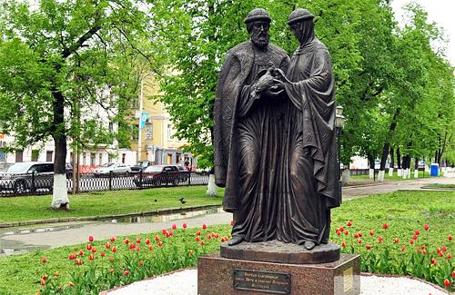 Пам'ятник Петру і Февронії у Ярославлі