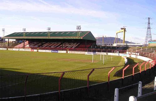 Стадион ФК «Гленторан» в Белфасте