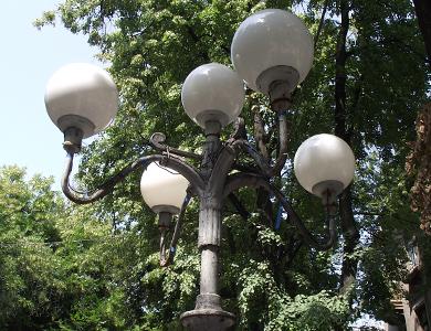 Полтавські вуличні ліхтарі світитимуть яскравіше