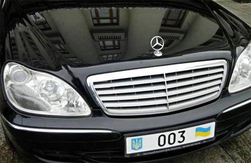 Кортеж Николая Азарова неудобств полтавским водителям не доставит