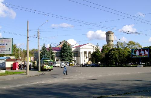 Площа Слави у Полтаві