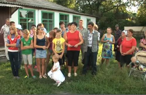 Жителі Миргородського району попросили Табачника не закривати школи