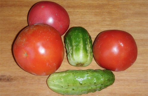 Как огурцы и помидоры могут на красоту повлиять
