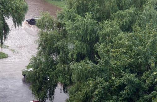 Через зливу частина Полтави залишилися без електроенергії