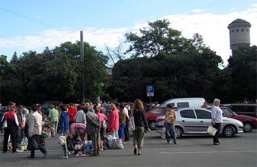Першим у «чорному списку» депутатів буде славнозвісний ринок на площі Слави