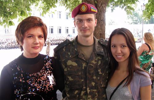 Наталія Лобанова з сином Антоном та небогою Айсою