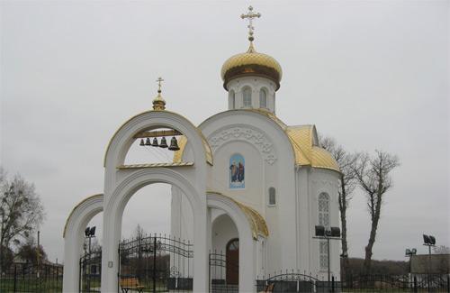 Храм в селе Тищенки Шишакского района