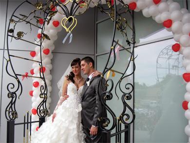 В Полтаве появилась арка влюбленных