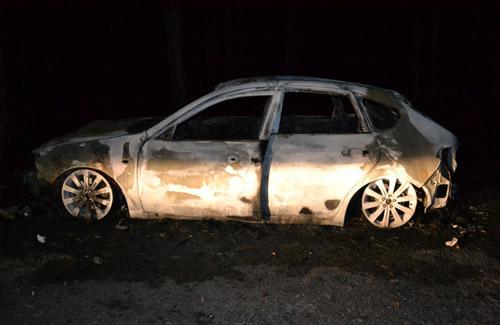 Під Полтавою згоріла Subaru Impreza