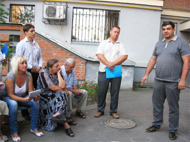 Собрание жильцов дома на бульваре Б.Хмельницкого, 12а
