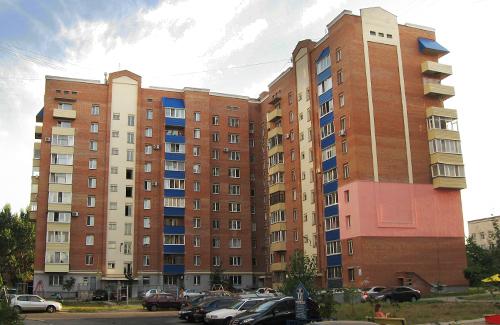 Многоэтажка на бульваре Б.Хмельницкого, 12а