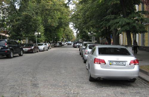 В ближайшее время на улице Октябрьской появится парковка