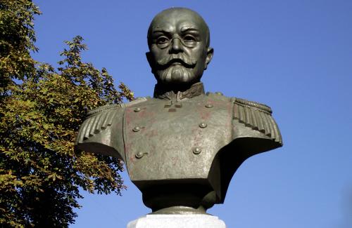 Пам'ятник Олексію Бутовському у Полтаві