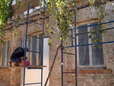 «Стягивание» предотвратит падение дома на улице Котляревского