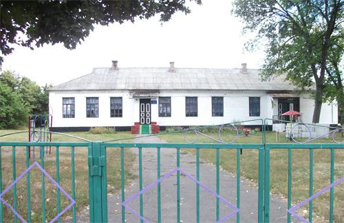 Школу в Мелюшках все-таки закрили