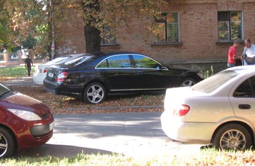 Полтавських депутатів-спортсменів не штрафуватимуть за неправильне паркування