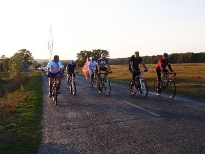 Велосипедисти Полтавщини проїхали по місцях партизанської слави