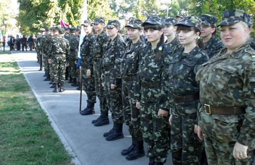 У Полтаві до Дня визволення маршувало 50 дівчат-військових
