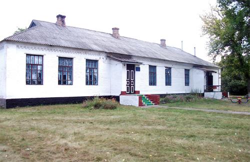 Мелюшківську ЗОШ І ст. Хорольського району перетворили на навчально-виховний комплекс