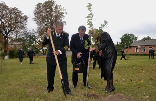 В Лубенському лісотехнічному коледжі цвістиме сакура