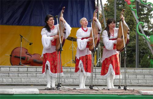 Музичний дарунок тріо бандуристок «Вишиванка»