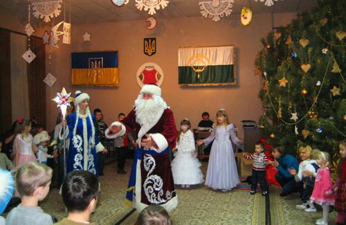 Фонд Анатолія Кукоби влаштував для 200 дітей новорічний ранок
