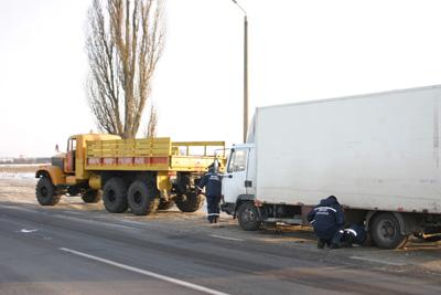 Полтавские спасатели помогли дальнобойщику