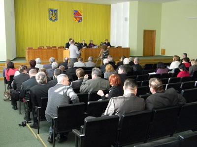 Губернатор до обласної Громадської ради ставиться краще, ніж мер Полтави — до міської