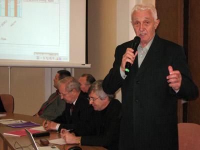 Член Громадської ради Полтави Юрій Челембій критикує нові тарифи