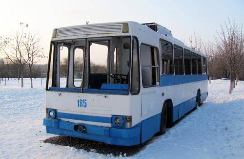 В Кременчуге подростки раскурочили троллейбус