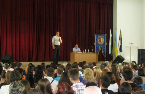 Віталій Кличко у Полтаві зустрівся із майбутніми педагогами