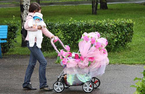 Как украсить детскую коляску своими руками фото