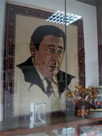Пациенты ткали гобелены с изображением Николая Касьяна